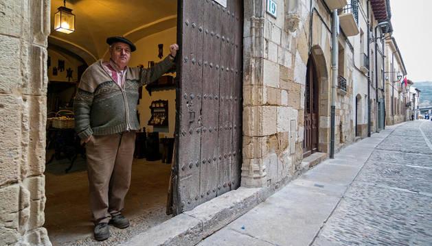 Crecen los peregrinos pero cierran negocios a pie del Camino en Estella