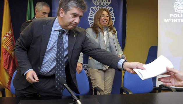 El director general de la Policía Nacional, Ignacio Cosidó, tras la conferencia de prensa que ha ofrecido en Pamplona