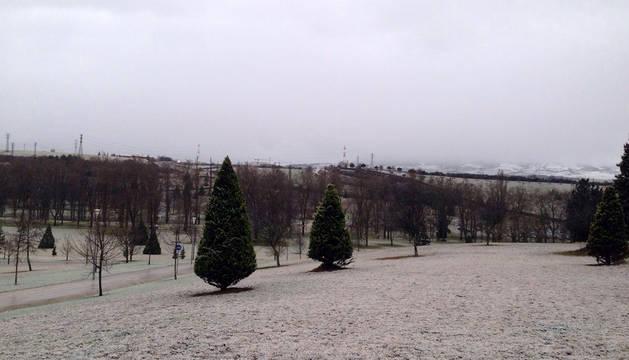 La nieve obliga a cerrar en Navarra 3 carreteras y a usar cadenas en dos