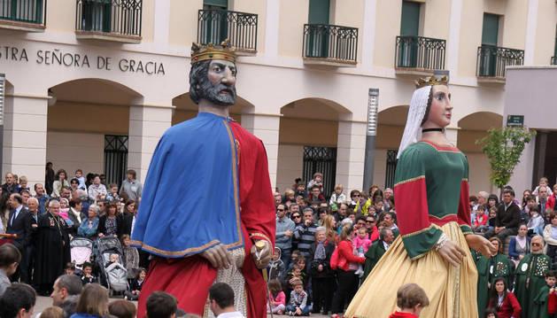 Tudela destina  5.445 euros  para los nuevos trajes de dos gigantes