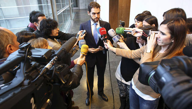 Arranca la comisión de Caja Navarra con Sayas (UPN) en la presidencia