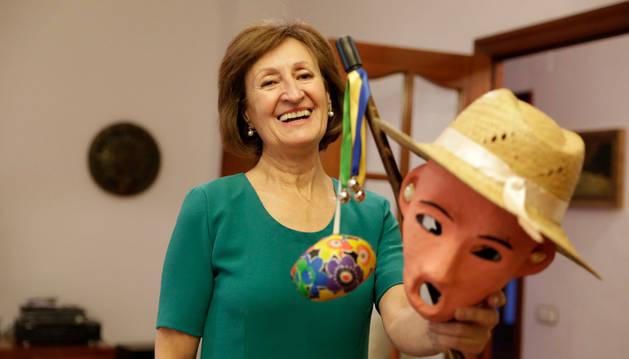 Elena Etxezarreta, con su careta de Zipotera