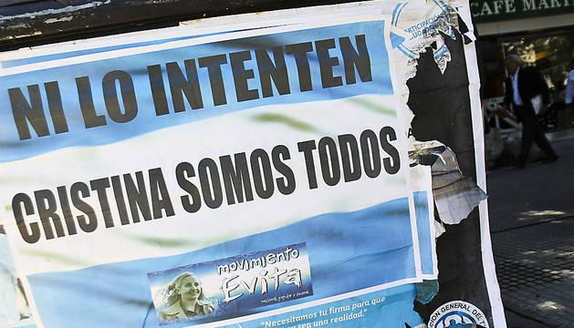 Un cartel de apoyo a Cristina Fernández.