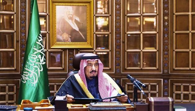 El nuevo Rey de Arabia Saudí, Salman bin Abdelaziz, se dirige a la nación por primera vez en condición de monarca