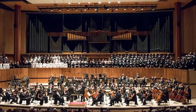 Actuación del Orfeón Pamplonés en el Royal Festival Hall de Londres