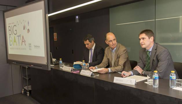 Antonio Bengoa, Alfonso Bañón y Roberto Mercero enla apertura de la jornada