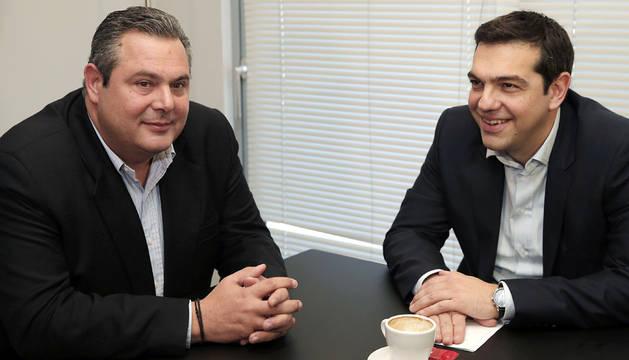 Panos Kammenos y Alexis Tsipras, líderes de Griegos Independientes y Syriza.