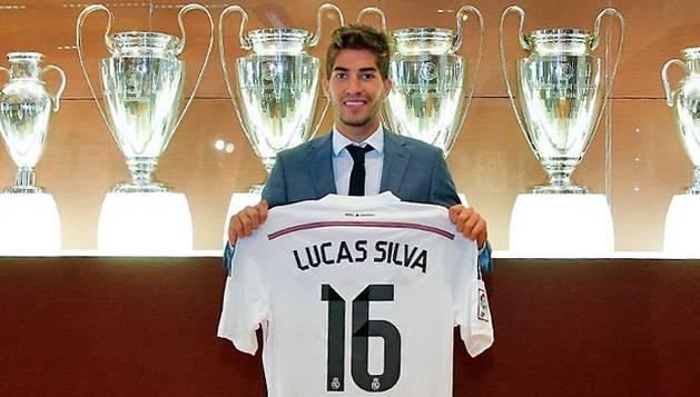 Lucas Silva, en su presentación.