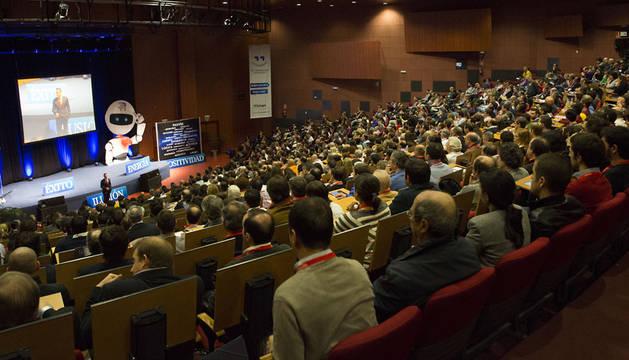 José Antonio Madrigal, durante uno de sus seminarios.
