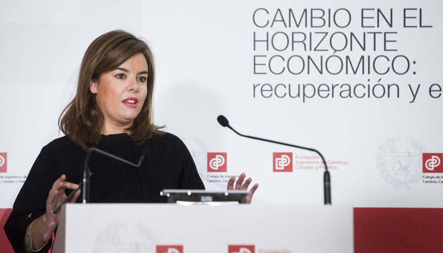 La vicepresidenta del Gobierno, Soraya Sáenz de Santamaría, ofreció una conferencia sobre cambio en el horizonte económico, recuperación y empleo en el Colegio de Ingenieros de Caminos