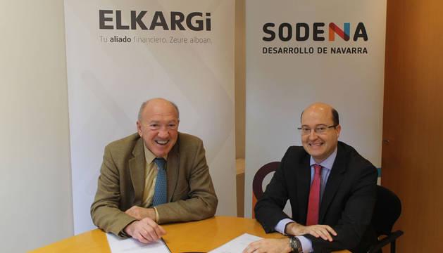 Víctor Ibarreche y Carlos Fernández Valdivielso, tras la firma del convenio