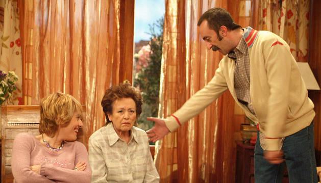 Amparo Baró, en el centro, interpretó a Sole en '7 vidas'