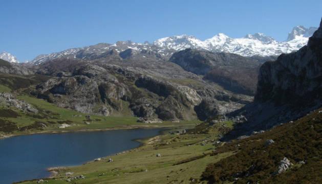 Lagos de Covadonga y Picos de Europa