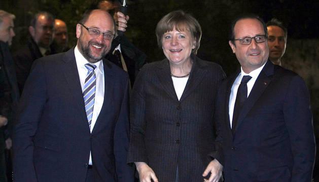 Merkel descarta una quita para Grecia y exige más ajustes y reformas