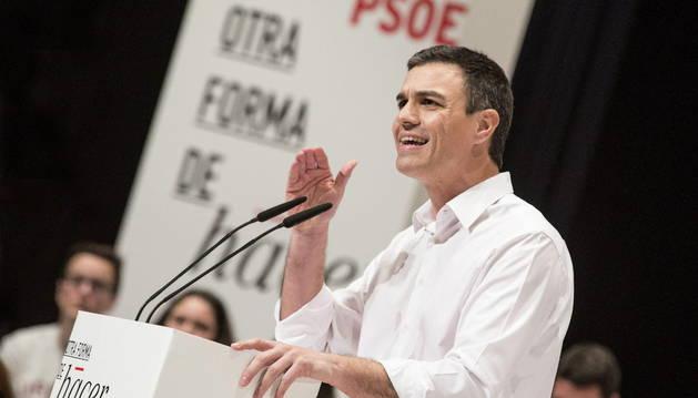 El secretario general del PSOE, Pedro Sánchez, interviene durante el acto de clausura de la XV Conferencia Autonómica