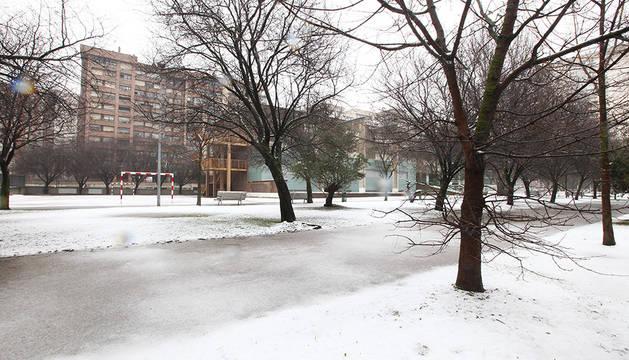 Fotografías de la nevada caída en Pamplona durante la noche y la madrugada del 31 de enero y el 1 de febrero.