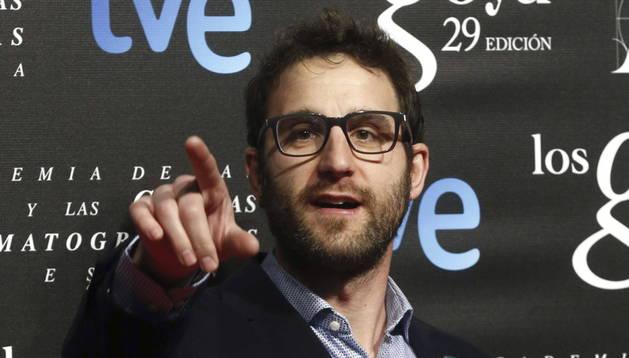 El actor Dani Rovira posa para la prensa antes de asistir a la fiesta de nominados de los XXIX Premios Goya