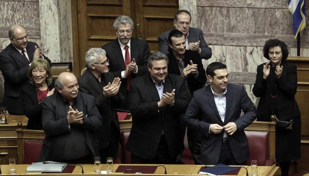 Tsipras logra el apoyo parlamentario para aplicar su programa de Gobierno