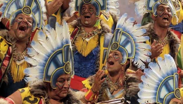 El Coro Los Sudamericanos durante su actuación en el Concurso Oficial de Agrupaciones de Carnaval 2015