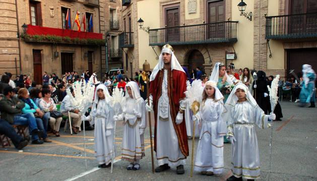 Participantes en la procesión celebrada el año pasado