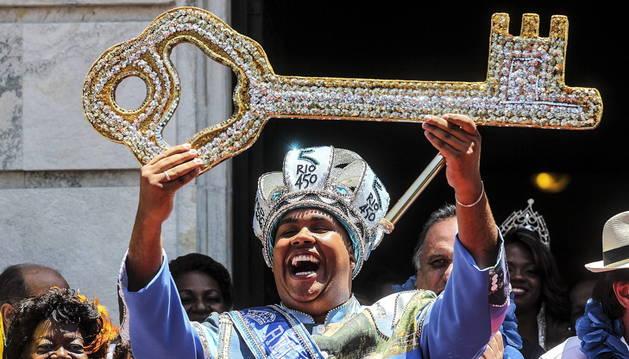 El rey Momo abre el carnaval de Río de Janeiro