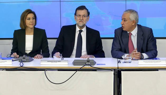 Mariano Rajoy , junto a Cospedal y Arenas.