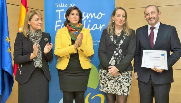 Susana Camarero, Isabel Borrego, Eva Holgado y Pedro Gómez Damborenea