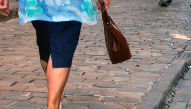 Alertan sobre robos cometidos por 'el tirón' en Pamplona