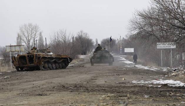 Soldados prorrusos en Donetsk
