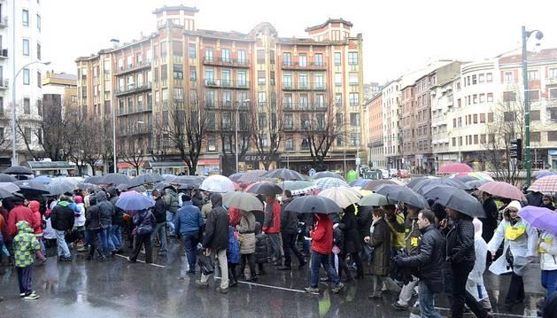 Cientos de personas se concentraron en Pamplona para evitar el cierre de la planta de Burlada