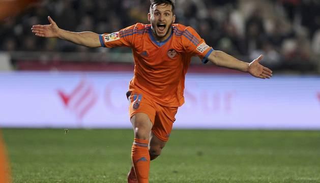 Piatti celebra el segundo gol del Valencia