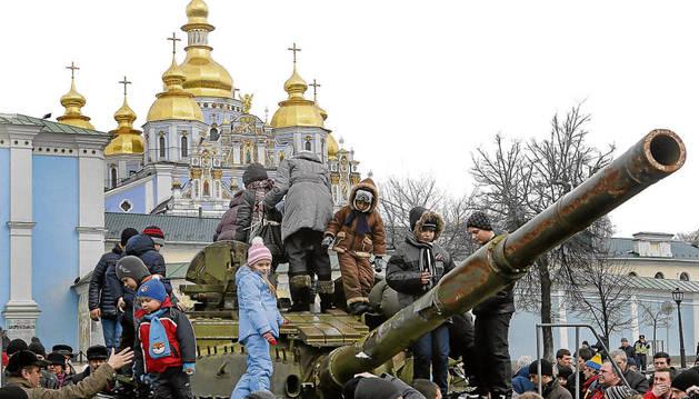 Exhibición de armamento en Ucrania