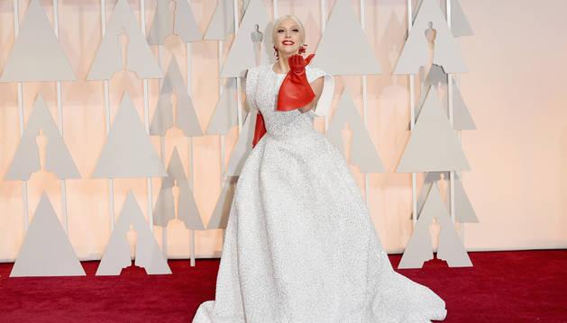 Lady Gaga, una improbable e impecable fraulein María en los Óscar