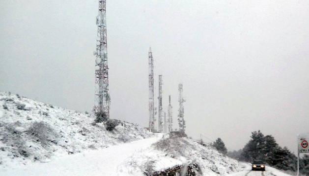 Nieve a 500 metros, lluvias y fuertes vientos para este martes