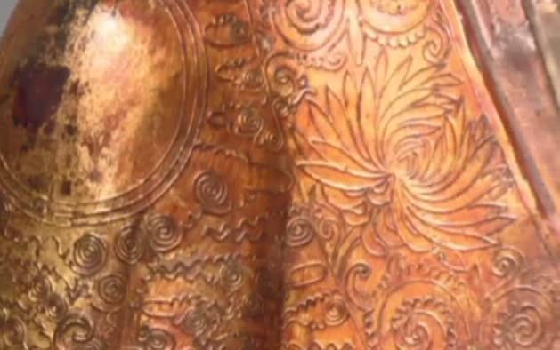 La momia dentro de la estatua de Buda
