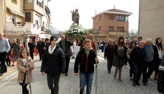 Procesión en honor al ángel en Berbinzana