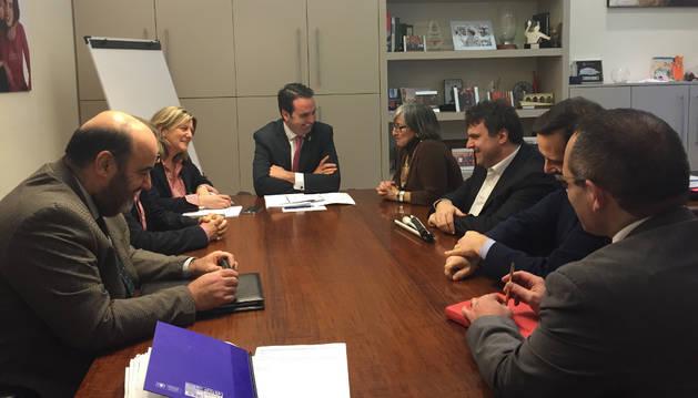 Ignacio Alli recibe a la nueva junta directiva de CORMIN