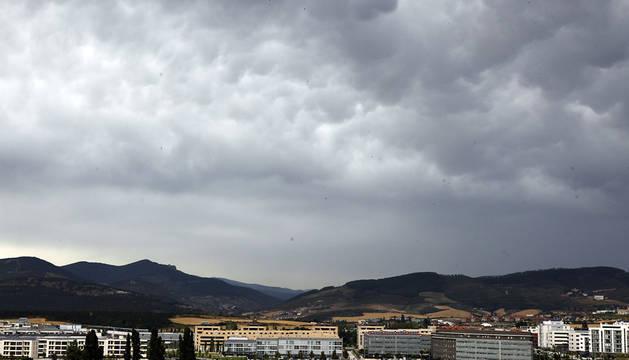 Nubes sobre Sarriguren.