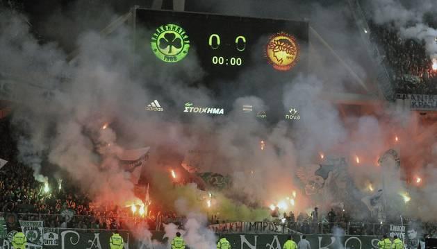 Partido entre Panathinaikos y Olympiacos en 2012