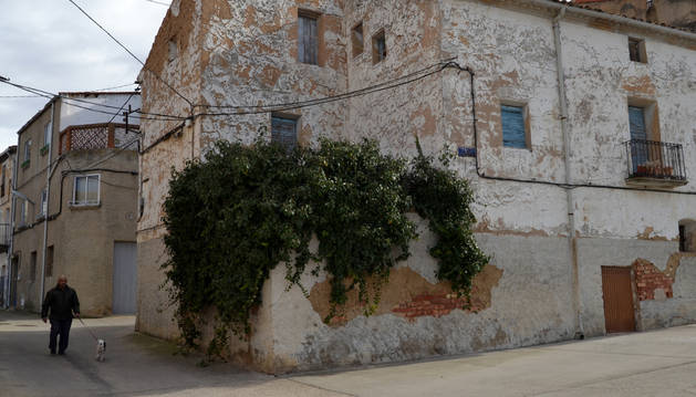 El edificio en la calle Torreón que el Ayuntamiento va a derribar.