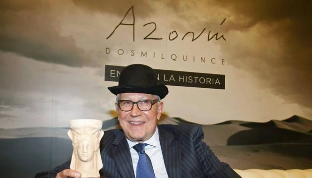 Fernando Delgado gana el Premio Azorín de Novela