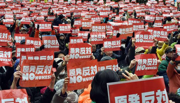 Manifestación antinuclear en Japón en el aniversario de Fukushima