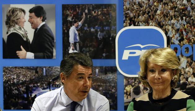 La candidata del PP a la Alcaldía de Madrid, Esperanza Aguirre, y el presidente de regional, Ignacio González, durante la reunión de este martes