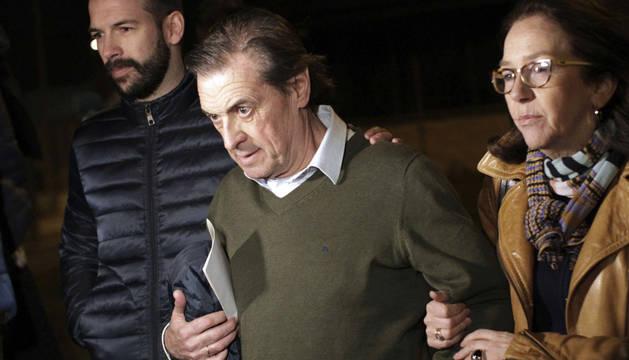 Archanco, acompañado por sus familiares, abandona el Centro Penitenciario de Pamplona I.