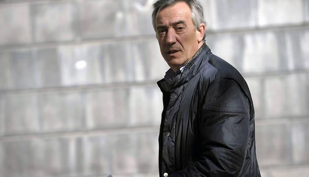 El exdirectivo de Osasuna José Luis Roldán, abandona el Palacio de Justicia de Navarra este martes