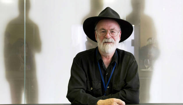 Muere a los 66 años el escritor británico Terry Pratchett