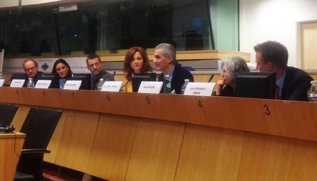 Juan Pablo Rebolé (tercero por la izquierda) durante el encuentro europeo.