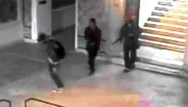 Los terroristas, en el interior del museo del Bardo