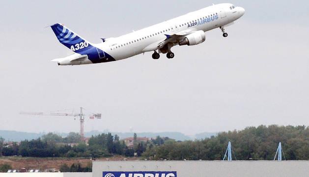 Imagen de un Airbus A320, simliar al accidentado este martes en Francia