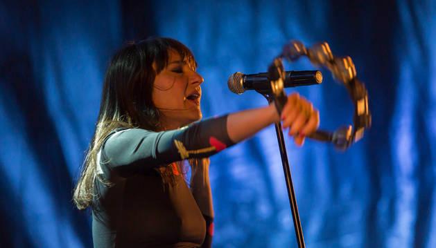 Artistas españolas cantan por las mujeres de la India